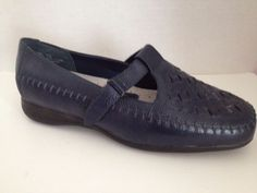 Mushrooms Shoes Womens Size 6.5 Wide Blue Mary Jane Loafers 6 1/2 W #Mushrooms #LoafersMoccasins #WeartoWork