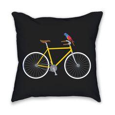 Summer vibes on your couch, courtesy of Designer Carolina Melis!