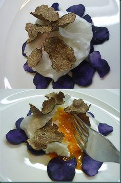 Uovo al tartufo con patate viola