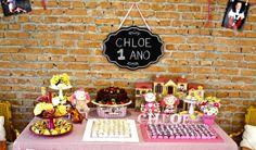 Doll party themed table festa de 1 ano com o tema Casa de Bonecas