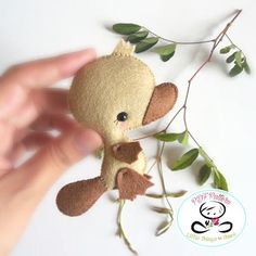 Amazing Home Sewing Crafts Ideas. Incredible Home Sewing Crafts Ideas. Baby Platypus, Sewing Toys, Sewing Crafts, Sewing Projects, Sewing Stuffed Animals, Stuffed Toys Patterns, Pattern Baby, Elephant Pattern, Bee Toys