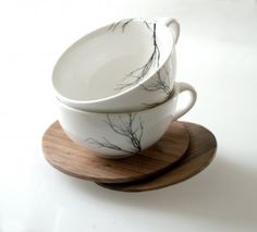 I absolutely love these porcelain tree cups and mugs by Nicki Ellis from Love Milo. She's also added the sweet hand carved birds that fit onto the rim of a cup, bowl or mug. Tassen Design, Coffee Cups, Tea Cups, Coffee Time, Love Milo, Keramik Design, My Cup Of Tea, Ceramic Pottery, Tea Set