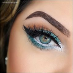 GORGEOUS!! Really PERFECT to bring out her Eye color!