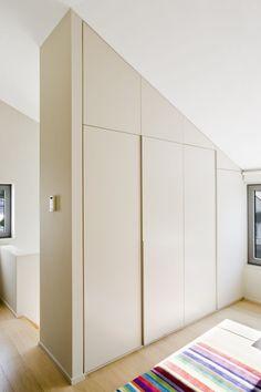 Built-in wardrobe with handle-free sliding doors in cream - Dachschräge - Door Design Fabric Room Dividers, Wooden Room Dividers, Bamboo Room Divider, Hanging Room Dividers, Folding Room Dividers, Room Divider Bookcase, Living Room Divider, Room Divider Walls, Diy Room Divider
