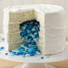 {Reveal Sex of Baby by Surprise Cake} How cool is this? You make your cake and fill it with blue lollies for a boy or pink lollies for a girl. I ♥ this idea. http://myhoneysplace.com/surprise-cake-printable-recipe/