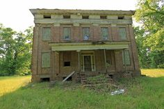 The front of the Elm Bluff house in Dallas County, Alabama.