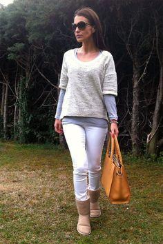 Estupenda Paula Echevarría con un look casual. Hoy en su blog http://paula-echevarria.blogs.elle.es/