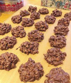 Hjemmelavet p-tærter Cookie Recipes, Dessert Recipes, Desserts, Danish Dessert, Toffee Bars, Homemade Candies, Dessert Decoration, Chocolate Treats, Sweet Cakes