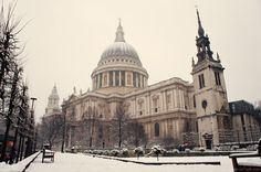 London's St Paul's cathedral in the snow