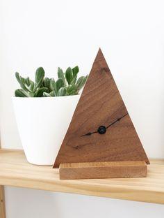 DIY a minimal + geometric clock for your desk.