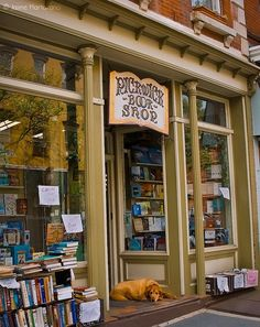 Looking for bookstore decor and display inspiration? Check out this list of cozy bookstores from around the world, including Pickwick Book Shop in Nyack, New York. I Love Books, Books To Read, Shop Fronts, World Of Books, Book Nooks, Library Books, Library Cafe, Reading Nook, Bibliophile