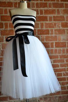 Strapless Black and White Striped Carnival Party Dress by ouma Black And White Party Dresses, Black White Parties, White Outfits, Dress Outfits, Dress Black, White Dress, Tulle Dress, White Strapless Dress, Karneval