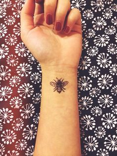 Lovely Bee Tattoo Meanings 10