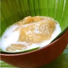 A po'e, tahitian term, is a Polynesian dessert based on cassava starch, coconut milk, sugar and fruits or . Coconut Hot Chocolate, Chocolate Chip Cake, Chocolate Pudding, Coconut Milk, Napoleon Cake, Cake Recipes, Dessert Recipes, Crunch, No Cook Desserts