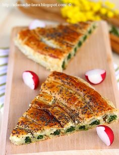 Spinach tart with ricotta cheese Spinach Tart, Great Recipes, Favorite Recipes, Exotic Food, Spinach Recipes, Vegetable Side Dishes, Base Foods, Iftar, Food Inspiration
