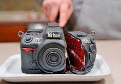 nikon camera cake .... wannit for my next birfday cake!!!!!!  looks li cakeke red velvet cake