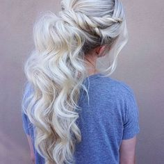 Cute twist Ponytail by @maggiemh