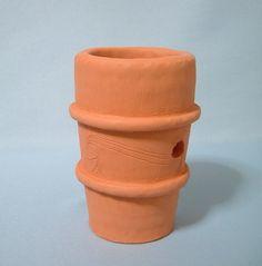 初めて作った円筒埴輪です。文様あり。どうも埴輪らしさが足りない何が足りないのかそもそも埴輪らしさって何なのか私は埴輪に何を感じているのかでも埴輪って 幅広いし...|ハンドメイド、手作り、手仕事品の通販・販売・購入ならCreema。