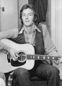 """""""Eric Clapton playing acoustic guitar in the dressing room at the London Lyceum in Eric Clapton Guitar, Best Guitar Players, The Yardbirds, Playing Guitar, Learning Guitar, Learn To Play Guitar, Rock Legends, Music Photo, Classic Rock"""