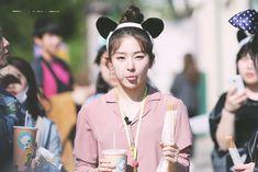 Seulgi is the cutest thing that ever existed South Korean Girls, Korean Girl Groups, Irene, Fandom, Kang Seulgi, Red Velvet Seulgi, Kim Yerim, Female Singers, Korean Singer