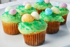 Celebrate Spring! 17 Cute & Tasty Easter Cupcake Recipes