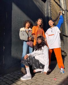Hip hop fashion, also referred to as great design and style, is typically a particular type of outfit. Hip Hop Fashion, Urban Fashion, 90s Fashion, Fashion Outfits, Hipster Outfits, Cute Outfits, Socks Outfit, How To Make Clothes, Poses