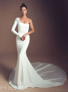 Elihav Sasson Wedding Dresses 2019 & Enamoured Collection & Simple fitted wedding dress, one sleeve with beading shoulder detail Simple Wedding Gowns, Gorgeous Wedding Dress, Boho Wedding Dress, Bridal Dresses, Wedding Outfits, One Shoulder Wedding Dress, Shoulder Dress, Dress Collection, Bridal Collection