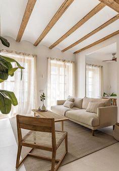 Reforma y amueblamiento de piso en Ruzafa (Valencia). 83m2 Oversized Mirror, Salons, Couch, Living Room, Valencia, Furniture, Design, Home Decor, Renovation