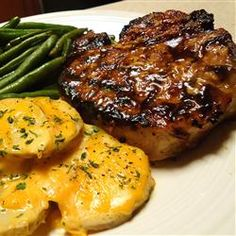 Grilled Brown Sugar Pork Chops Recipe - The best juicy and sweet pork chops we have ever eaten! Our family favorite! Pork Chop Recipes, Grilling Recipes, Meat Recipes, Cooking Recipes, Cooking Tips, I Love Food, Good Food, Yummy Food, Brown Sugar Pork Chops