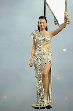 Singer Katy Perry performs during the Pepsi Super Bowl XLIX Halftime Show at University of Phoenix Stadium on February 2015 in Glendale, Arizona. (Photo by Andy Lyons/Getty Images Katy Perry Outfits, Katy Perry Costume, Katy Perry Tickets, New England, Super Bowl 2015, Kati Perri, Katy Perry Photos, Star Costume, Polka Dot Bikini