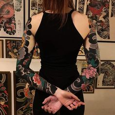 beautiful blackout tattoo ideas for girls © tattoo artist Solid Black Tattoo, Black Tattoos, Body Art Tattoos, Tattoo Girls, Girl Tattoos, Tatoos, Blackout Tattoo, Japanese Tattoo Art, Japanese Sleeve Tattoos