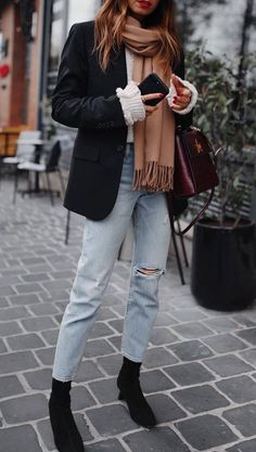 what-to-wear-with-a-blazer-scarf-plus-sweater-plus-boyfriend-jeans-plus-boots.jpg what-to-wear-with-a-blazer-scarf-plus-sweater-plus-boyfriend-jeans-plus-boots.jpg Girls's Vogue. Look Fashion, Teen Fashion, Autumn Fashion, Fashion Outfits, Fashion Trends, Fashion Women, Fashion Ideas, Winter 2018 Fashion, Winter Fashion Casual