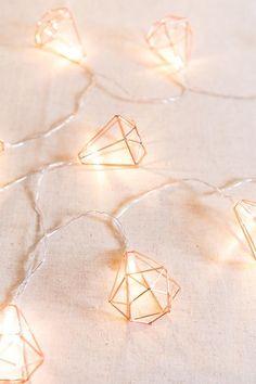 Geometric Diamond Fairy Lights Rose Gold Free pattern and Tutorials : Geometric Diamond Fairy Lights Rose Gold Rose Gold Fairy Lights, Led Fairy Lights, Rose Gold Room Decor, Rose Gold Rooms, Marble Room Decor, Rose Gold Wallpaper, Lit Wallpaper, Rose Gold Aesthetic, Deco Led
