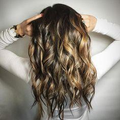 MONDAY HAIR GOALS  . . . color by Jodi Kezar , cut&style Sonia _hairstory . . #upgradeyourlook #hottie #hairgoals #hairday #mondayhappiness #workit #hairporn #hairlove #f4f#l4l #toronto #torontohair #torontosbesthairsalon #evolvehairstudio #evolve #balayage #torontobalayage #carmelized #livedinwaves #cochellahair #2016 #hairinspirations #behindthechair #salonmagazine #modernsalon #btconeshot_hairpaint16 #btconeshot_haircolor16 #btconeshot_color16 #btconeshot_curls16