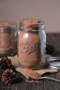 Healthier hot cocoa mix. This one is made with a lot less sugar and other ingredients that are high in fiber, minerals and vitamins. #glutenfree #vegan #cleaneating
