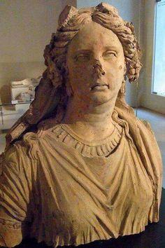 - Monumento funerario Etrusco en terracota . Siglos lll- ll a.C. Museo del Louvre ./tcc/