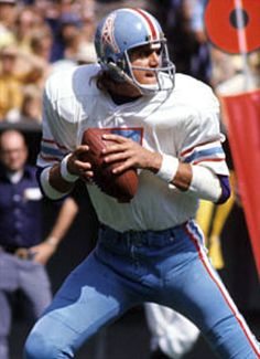 Dan Pastorini (Houston Oilers) Football Trophies, Nfl Football Players, Sport Football, Football Helmets, School Football, Football Cards, Nfl Fantasy Football, Nfl Photos, Sports Photos