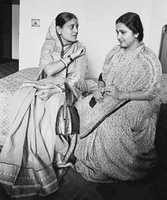 The two wives of singing legend Kishore Kumar sharing a warm moment together. One was his ex-wife Ruma Guha Thakurta (sitting on left) and the other was with him when he died - actress Leena Chandravarkar. Kishore Kumar, Second Wife, Vintage Bollywood, Amitabh Bachchan, Hindi Movies, Choir, Illusions, Photo Galleries, Nostalgia