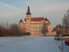 Schloß Hartheim in Alkoven, Upper Austria. #snow #kasteel #castle #zamek #Schloss #castillo #Burg Lichtenstein Castle, Austria, Cathedral, Medieval, Building, Travel, Alcove, Castles, Pictures