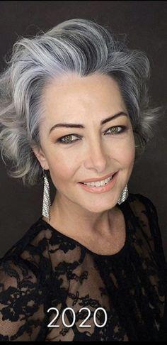 Silver Grey Hair, Gray Hair, Grey Hair Over 50, Silver Haired Beauties, Grey Hair Inspiration, Ageless Beauty, Short Hair Cuts For Women, Big Hair, Curly Hair Styles