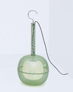 La lampe d'extérieur Noctiluque de Philippe Nigro pour Artuce.