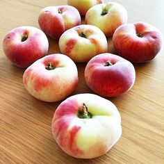 Paraguaios 🍎 // INSTAGRAM @susana_dionisio  #manhasperfeitasblog   #pêssegos #paraguaios #fruits #fruto #fruta #frutadoce #frutadaépoca #natureza #frutafazbem #vitaminas #sumo #sabordanatureza #nature #frutanacozinha #minimal #click2inspire #intagramar #igers #beautifulcolors #frutaraiada #healthy #comercoisasboas #frutasaudável #healthyfruit #honey #instapics #fotoscomefeitos