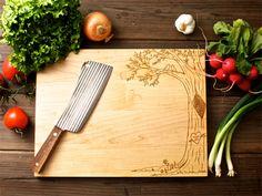 Wedding gift idea : engraved wooden chopping board