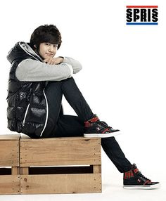 Kim Bum and Go Ara have been selected as the new models for Spris Fall/Winter 2009 Catalogue. Spris is a South Korean Corporation and has licensing agreements Go Ara, Kim Bum, Kim Sang, Boys Over Flowers, New Model, Korean Actors, Male Models, Catalog, Singing