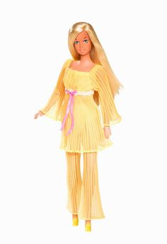 Malibu Barbie and just to be clear. I Never ever thought that I should look like my Barbie doll when I grew up! Barbie Malibu, Barbie Website, Barbie Family, Vintage Barbie Dolls, Barbie Collector, Retro Toys, Barbie Friends, Barbie World, Fashion Dolls