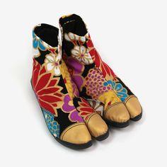 Beautiful textile design JIkatabi shoes $110 #jikatabi #kimono #textiledesign #sousousf