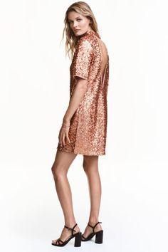 Vestido curto com lantejoulas | H&M