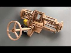 DIY Front suspension with differential and steering gear - Smart Engineering Woodworking Hand Tools, Woodworking Projects, Wooden Toy Trucks, Wooden Gears, Mechanical Design, Wooden Projects, Pedal Cars, Machine Design, Wood Toys