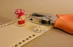 Emilia's home Havumetsäntiellä: Tutorials cookies from punched foam packaging