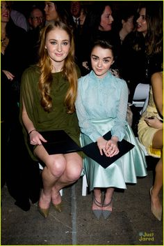BEAUTIFUL CO-STAR'S / FRIEND'S AND FASHION LOVER'S: SOPHIE TURNER AND MAISIE WILLIAMS AT A FASHION SHOW